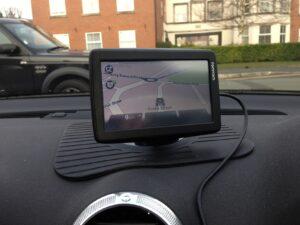 Geek and Dummy TomTom GPS car dash mount